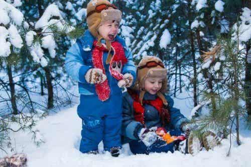 今シーズンはやりたい!家族でできる雪遊び10選