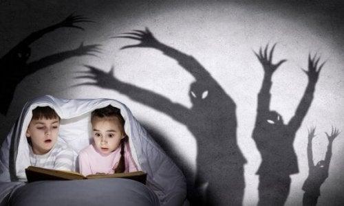 子どもにちょっと怖い本を読んであげる時のアドバイス