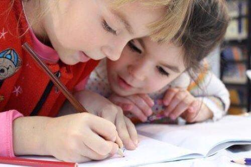 子どもの 筆記 を上達させる方法