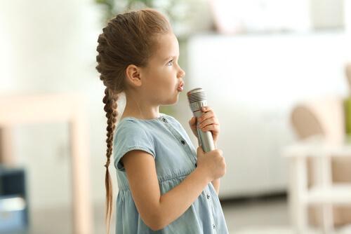 歌う子ども 音韻意識 子ども