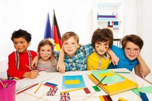 将来最もよく使われるようになる6つの言語を知っていますか?