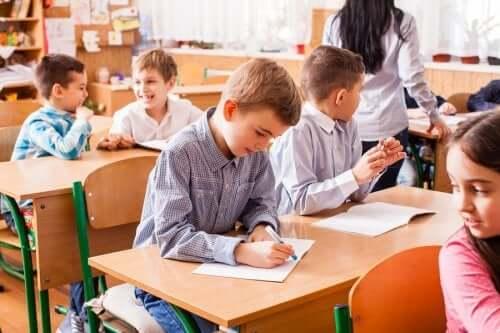 読み書き の教育方法の違い