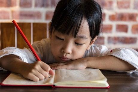 将来最もよく使われる 言語 :中国語