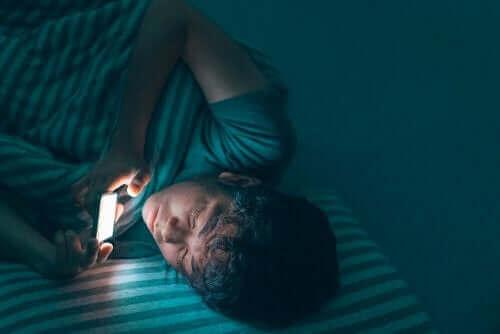 携帯電話 十代 青年期 睡眠