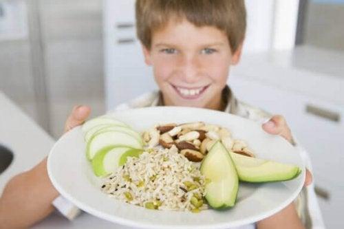 栄養が子どもの成績にどう影響するのか知っていますか?