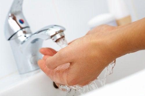 風邪 の季節が始まる秋に身体を守る手洗い
