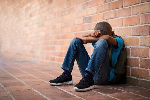 自分を傷付けてしまうティーン: 自傷行為