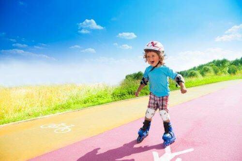 インラインスケートを子どもに教えるためのステップ