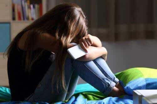 ネットいじめ問題について:法的に扱われるケースとは?