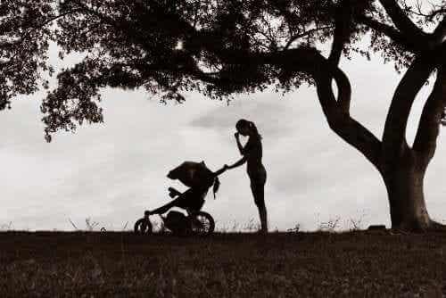 母親のうつは子どもにどのような影響を与えてしまうのだろう?