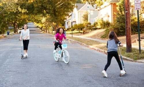 子どもの社会化について学ぶ:社会化を進めるには?