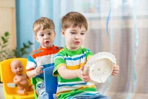 子どものための即興演劇:毎日の生活に役立つ強力な教育ツール