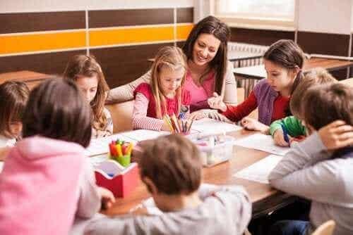 留年することは本当に生徒の助けになるのだろうか?