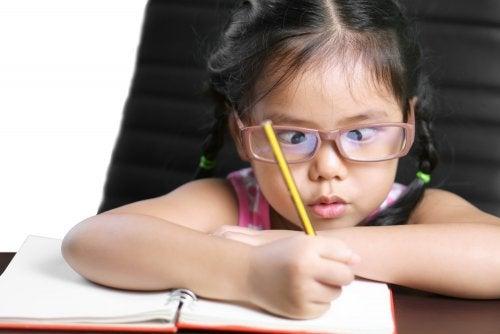 斜視 の原因と診断:眼位ずれの治療法