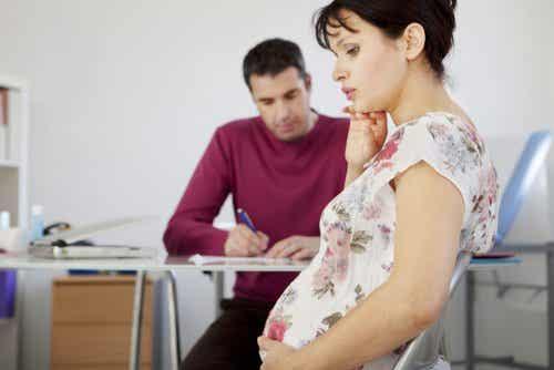 妊婦が患う摂食障害:妊娠中に起こる「異食症」について
