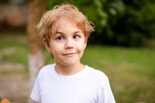 子どもの斜視の原因と診断:眼位ずれの治療法について