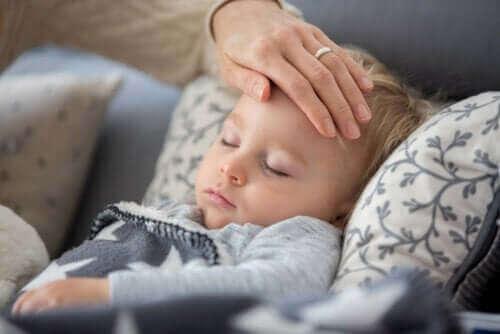 ロックダウン中に子どもが熱を出したり咳をしていたら