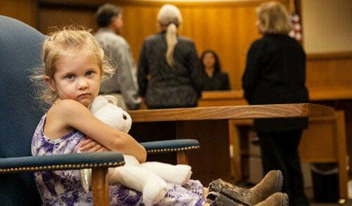 未成年者の法定代理人と 親権 :子どもに対して両親が持つ権利