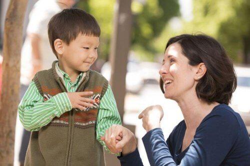 聴覚障害 の子どもを育てるママへ