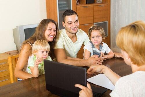 未成年者の法定代理人と親権:両親が持つ権利とは?