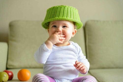 【トレジャーバスケット】赤ちゃんのための楽しい遊び