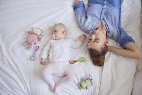 出産後にどうしても起こる!新米ママの睡眠不足について