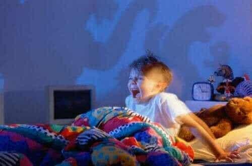 【子どもの悪夢対策】怖い夢を避けるための5つのコツ
