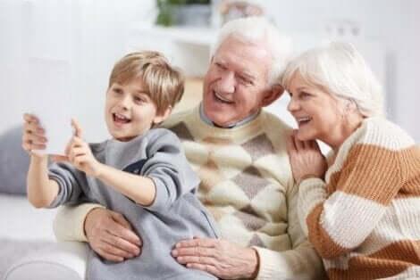祖父母 孫 記憶