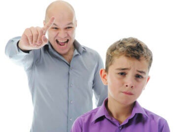 子どもに対して厳しくする時にどんな口調で話してますか?