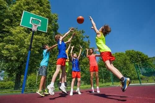 【スポーツによる 怪我 】子どもに起こりやすいスポーツ外傷