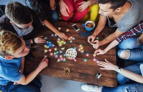 【人気ボードゲームを!】集中力アップの海外ゲーム5選