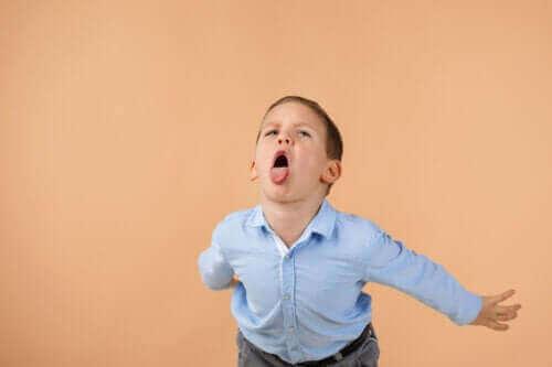 【侮蔑してしまう子ども】効果的に行動を直す方法とは?