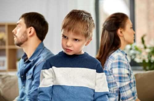【人を 侮蔑 する子ども】効果的に行動を直す方法