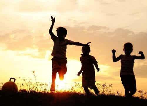 【過干渉になっていませんか?】年齢ごとに変わる子どもの自由