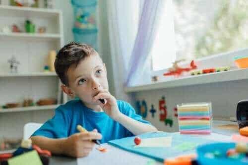 【子どもの思考力】自分で考えるようになる話し方とは?