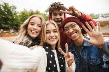 【間違った信念】思春期の子どもに対する4つの思い込み
