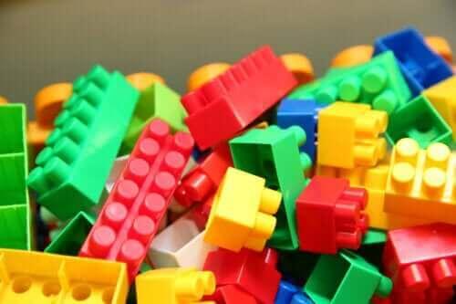 【レゴ エデュケーション】教育に取り入れるメリットとは?