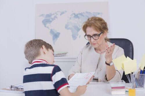 【勉強のサポート】子どもの成績が悪いときどうすればいい?