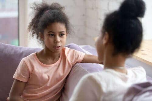 【思春期の子ども】質問攻めにしない会話を心がける