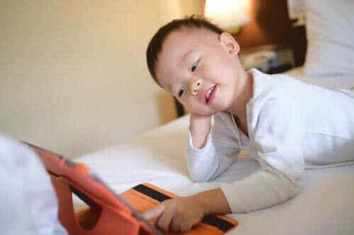 【デジタル世代】子どもをテクノロジーから引き離す9つの方法