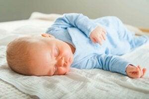 赤ちゃんの睡眠時間
